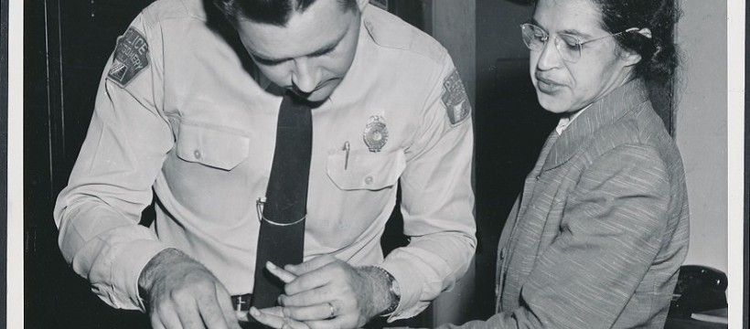 Rosa_Parks_being_fingerprinted_by_Deputy_Sheriff_D.H._Lackey_after_being_arrested_for_boycotting_public_transportation_-_Origina